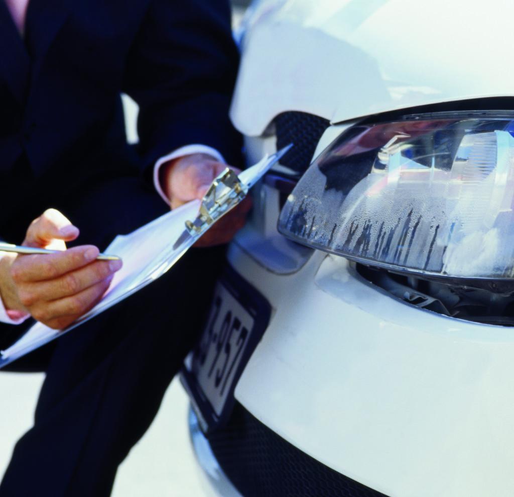 Оценка ущерба автомобилей фото
