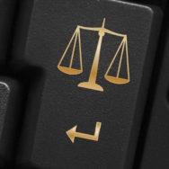 Окружний адміністративний суд Києва визнав націоналізацію ПриватБанку незаконною