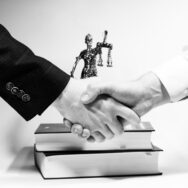 Пропонуємо юридичний аутсорсинг із приємним бонусом!